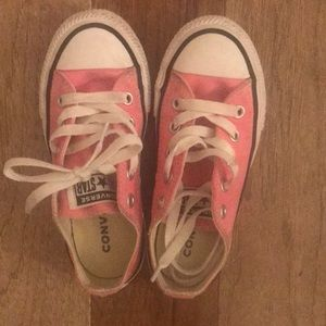 Pink Converse Lightly used.